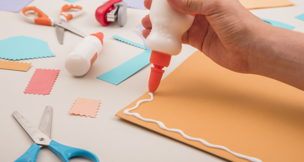 Best Glue for Papercraft